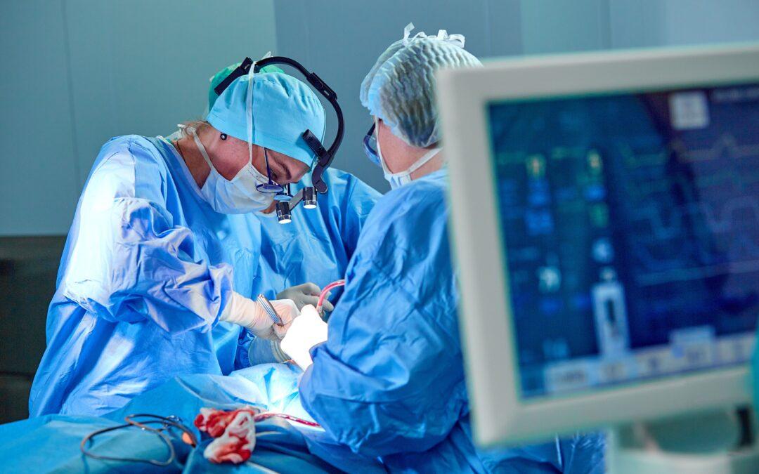 Un dispositivo repara la válvula tricúspide sin intervenir a corazón abierto
